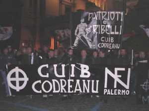 Tanto per capire chi ama Codreanu....